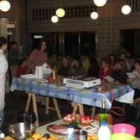 Joves - Curs de Cuina al CEIP Mestre Marcel·lí Domingo, any 2005