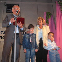 Celebració de la Festa del 14 d'abril. Commemoració dels 25 anys de la llar d'infants Patufets de Roquetes