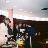 Entrega diplomes escola Taller l&amp;#039;Escorxador&lt;br /&gt;<br /> 2000