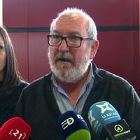 Paco Gas (ERC) respon a Meritxell Roigé (Junts) tot reivindicant el manteniment de les especialitats mèdiques al CAP de Roquetes.
