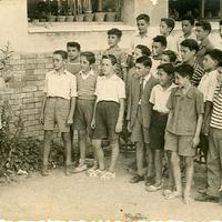 Col·legi Menéndez Pelayo de Roquetes, 26 de juny de 1958, amb el mestre Don Paco Solé Forcada.