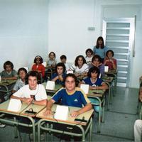 Inici de curs 2001-02. Portada. 3. Publicat Revista 185.jpg